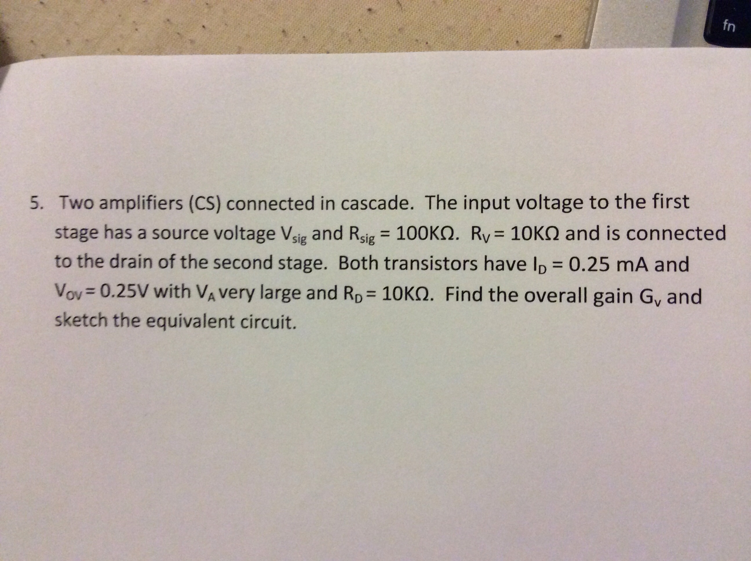 Two amplifiers (CS) connected in cascade. The inpu